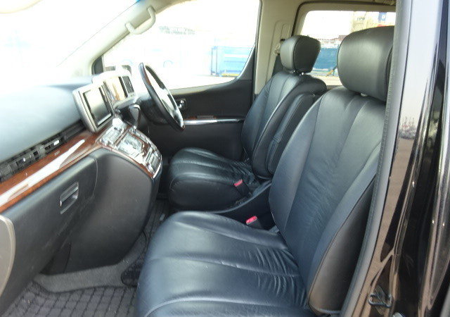 NISSAN ELGRAND 2007 250 HIGHWAY STAR BLACK LEATHER EDITION  For Sale (picture 3 of 6)