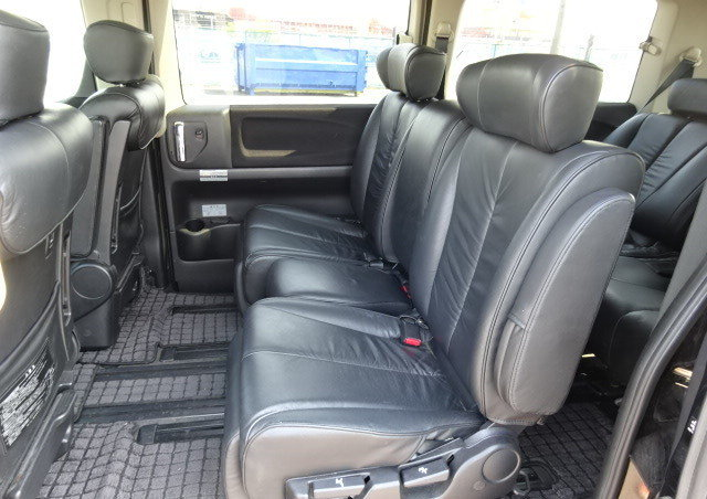 NISSAN ELGRAND 2007 250 HIGHWAY STAR BLACK LEATHER EDITION  For Sale (picture 4 of 6)