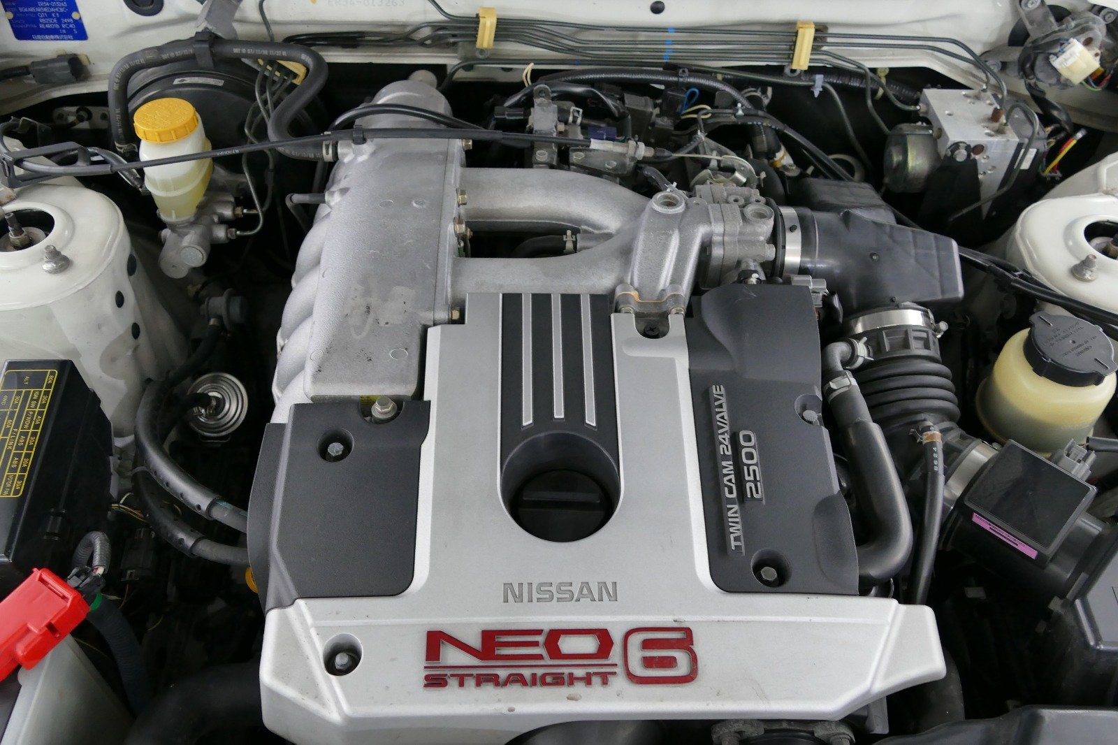 1998 Nissan Skyline R34 4 door Non Turbo Tiptronic For Sale (picture 5 of 6)
