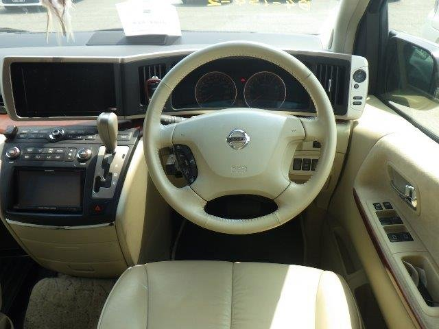 2004 NISSAN ELGRAND 3.5 XL * TOP OF THE RANGE * FULL LEATHER *  SOLD (picture 6 of 6)