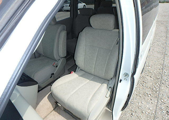 NISSAN ELGRAND 2004 3.5 VG 4X4 TWIN POWER DOORS 8 SEATER * T For Sale (picture 3 of 6)