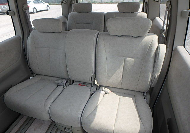 NISSAN ELGRAND 2004 3.5 VG 4X4 TWIN POWER DOORS 8 SEATER * T For Sale (picture 4 of 6)