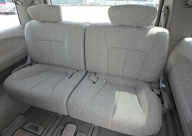 NISSAN ELGRAND 2004 3.5 VG 4X4 TWIN POWER DOORS 8 SEATER * T For Sale (picture 5 of 6)