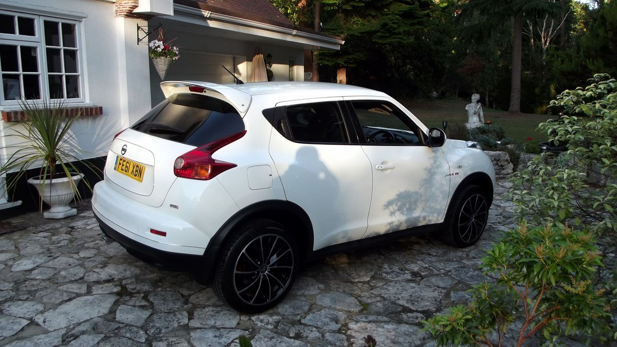 2011 NISSAN JUKE 1.6 TEKNA LTD EDT 5 DR HATCHBACK For Sale (picture 3 of 6)