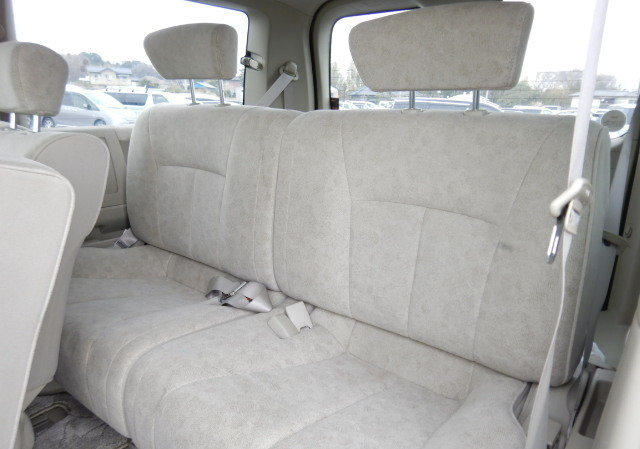 2004 NISSAN ELGRAND 3.5 VG AUTOMATIC POWER SLIDING DOOR 8 SEATER SOLD (picture 5 of 6)