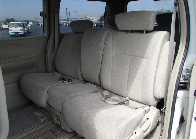 2003 NISSAN ELGRAND 3.5 VG 4X4 AUTOMATIC * 8 SEATER * LOW MILEAGE For Sale (picture 4 of 6)
