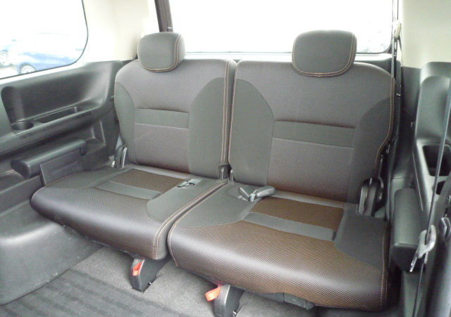 2007 NISSAN SERENA FACELIFT 2.0 HIGHWAY STAR URBAN * 8 SEATER For Sale (picture 5 of 6)