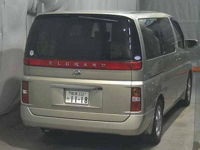 2005 NISSAN ELGRAND 3.5 XL 4X4 TOP OF THE RANGE * TWIN SUNROOF For Sale (picture 2 of 3)