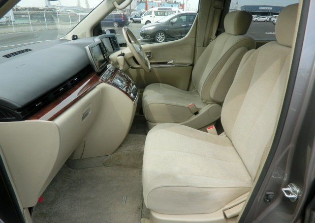 NISSAN ELGRAND 2008 3.5 AUTOMATIC 350 X 8 SEATER * CURTAINS  For Sale (picture 3 of 6)