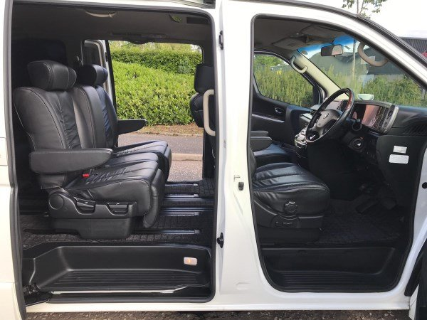 2008 FRESH IMPORT NISSAN ELGRAND HIGHWAY STAR 4WD AUTO 3.5  For Sale (picture 4 of 6)