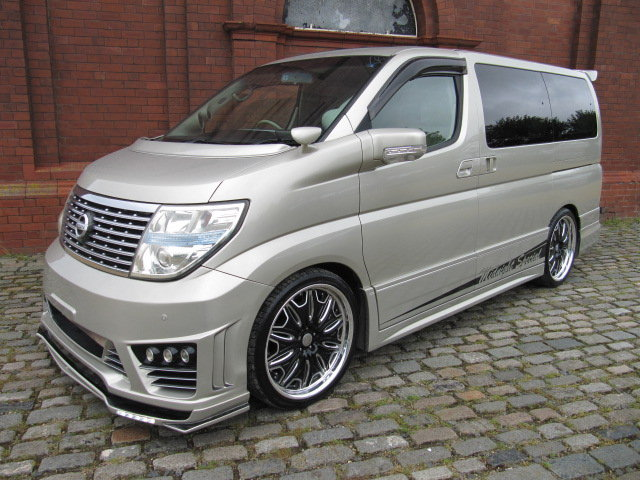 2009 NISSAN ELGRAND 3.5 XL CUSTOM ELGRAND * TOP OF THE RANGE *  SOLD (picture 1 of 6)