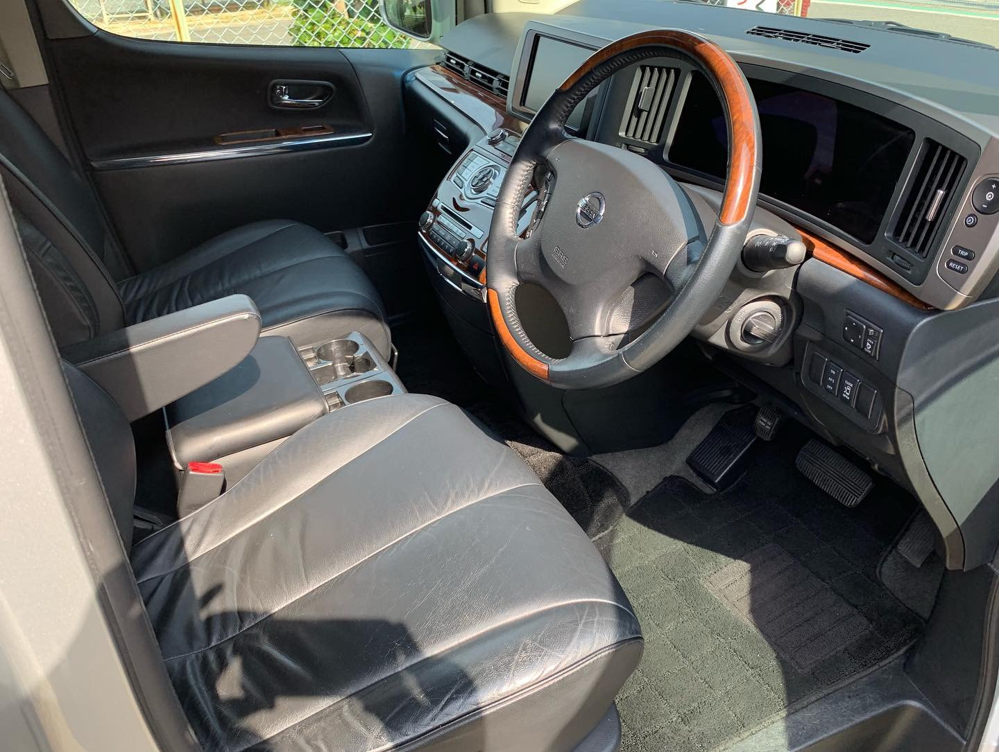 2008 Stunning Nissan Elgrand Highway Star Black Leather Edition SOLD (picture 5 of 6)