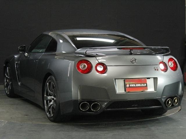 Nissan GT-R Premium Edition 2008 from Japan For Sale (picture 3 of 6)
