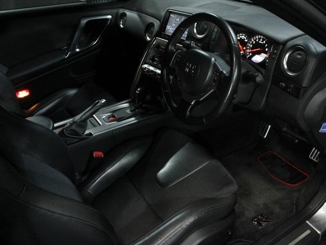 Nissan GT-R Premium Edition 2008 from Japan For Sale (picture 5 of 6)