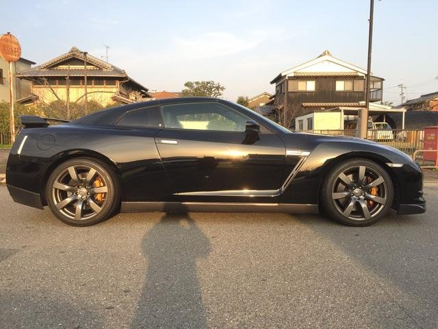 Nissan GT-R Premium Edition 2007 from Japan For Sale (picture 2 of 6)