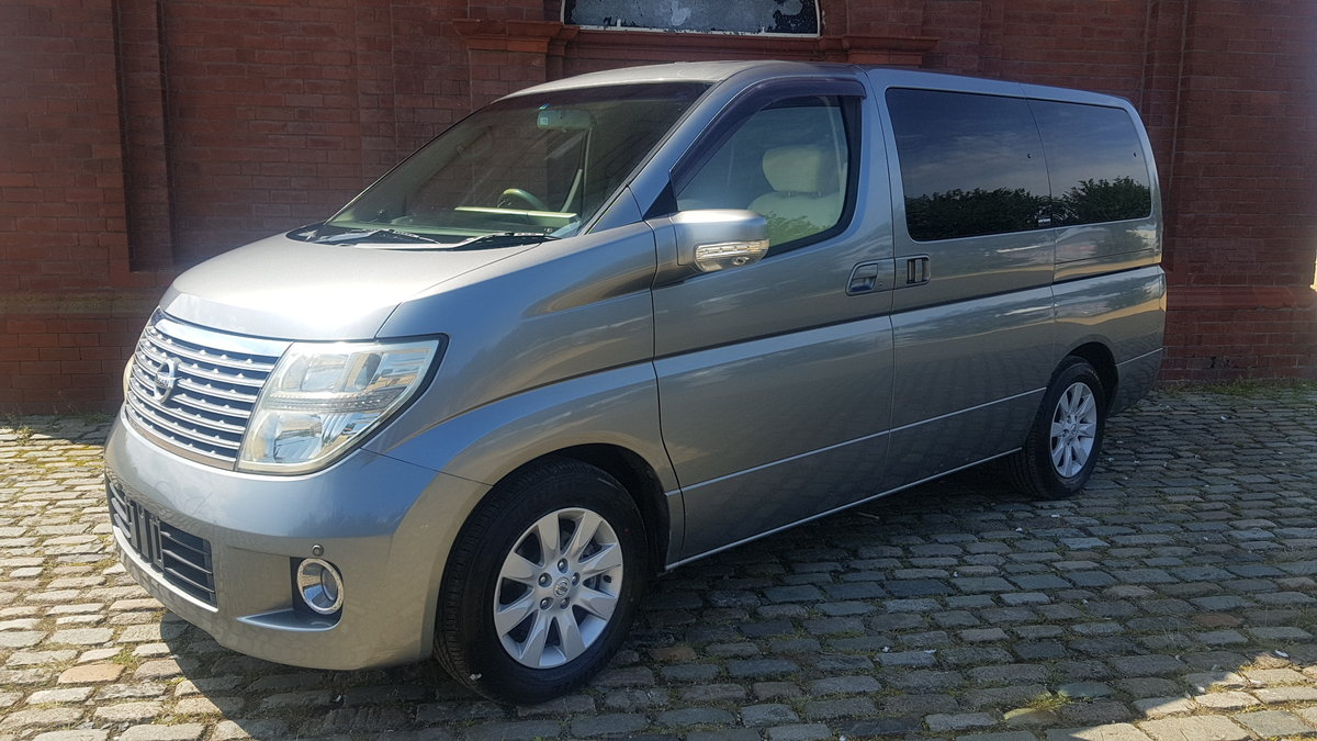 2005 NISSAN ELGRAND 3.5 X * TWIN POWER DOORS * BUSINESS SEATS *  SOLD (picture 1 of 6)