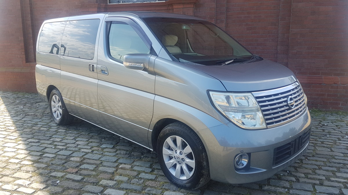 2005 NISSAN ELGRAND 3.5 X * TWIN POWER DOORS * BUSINESS SEATS *  SOLD (picture 2 of 6)