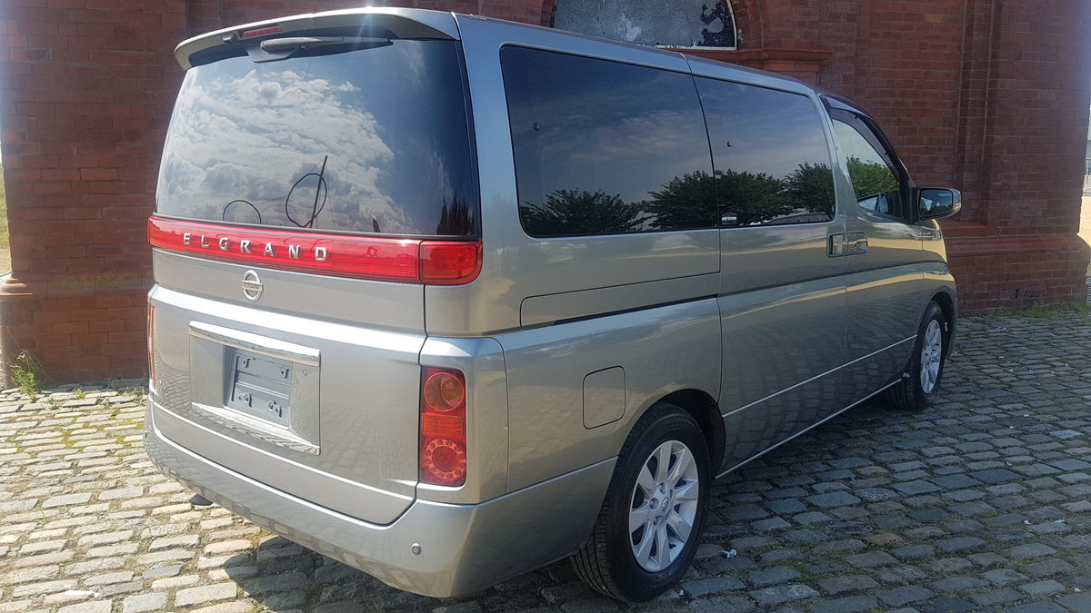 2005 NISSAN ELGRAND 3.5 X * TWIN POWER DOORS * BUSINESS SEATS *  SOLD (picture 3 of 6)