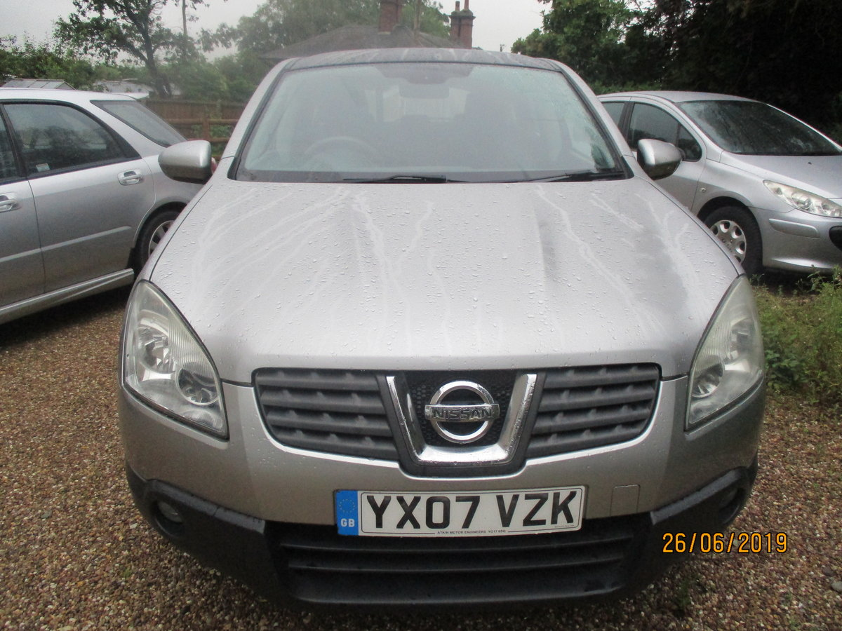 SMART QASHQAI 1600cc petrol manaul WITH A TOW BAR MOT APRIL For Sale (picture 3 of 6)