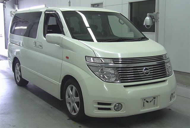 2004 NISSAN ELGRAND 3.5 AUTOMATIC 4X4 8 SEATER CAMPER For Sale (picture 1 of 3)