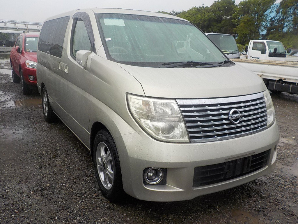 2005 NISSAN ELGRAND 3.5 XL 4X4 TOP OF THE RANGE * TWIN SUNROOF For Sale (picture 1 of 6)
