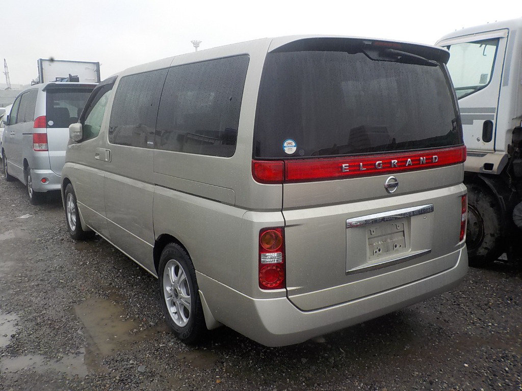 2005 NISSAN ELGRAND 3.5 XL 4X4 TOP OF THE RANGE * TWIN SUNROOF For Sale (picture 2 of 6)