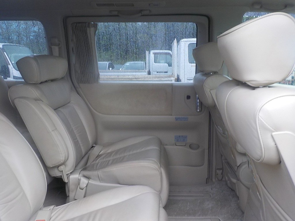 2005 NISSAN ELGRAND 3.5 XL 4X4 TOP OF THE RANGE * TWIN SUNROOF For Sale (picture 4 of 6)