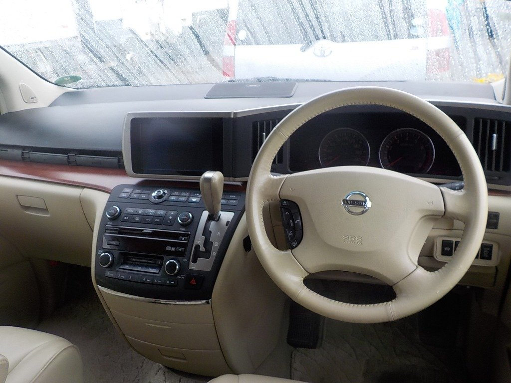 2005 NISSAN ELGRAND 3.5 XL 4X4 TOP OF THE RANGE * TWIN SUNROOF For Sale (picture 5 of 6)