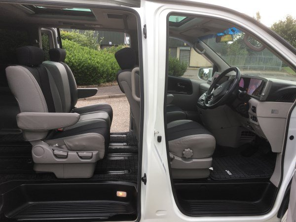 2004 FRESH IMPORT NISSAN ELGRAND HIGHWAY SEAR AUTO 3.5 4WD For Sale (picture 4 of 6)