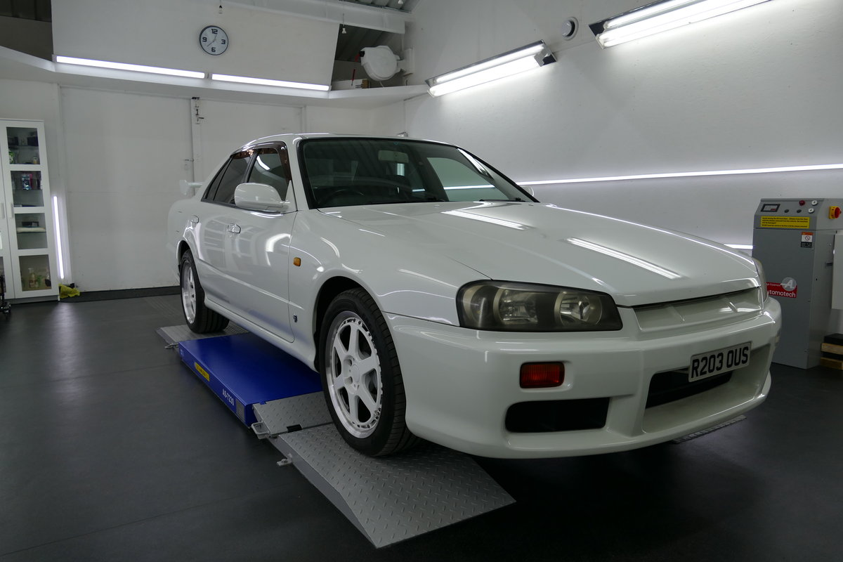 1998 Nissan R34 Skyline 4 doors For Sale (picture 4 of 6)