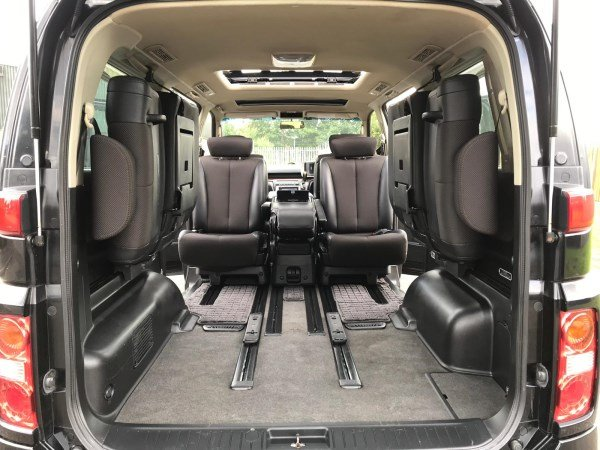 2006 NISSAN ELGRAND HIGHWAY STAR AUTO 3.5 8 SEATS For Sale (picture 5 of 6)