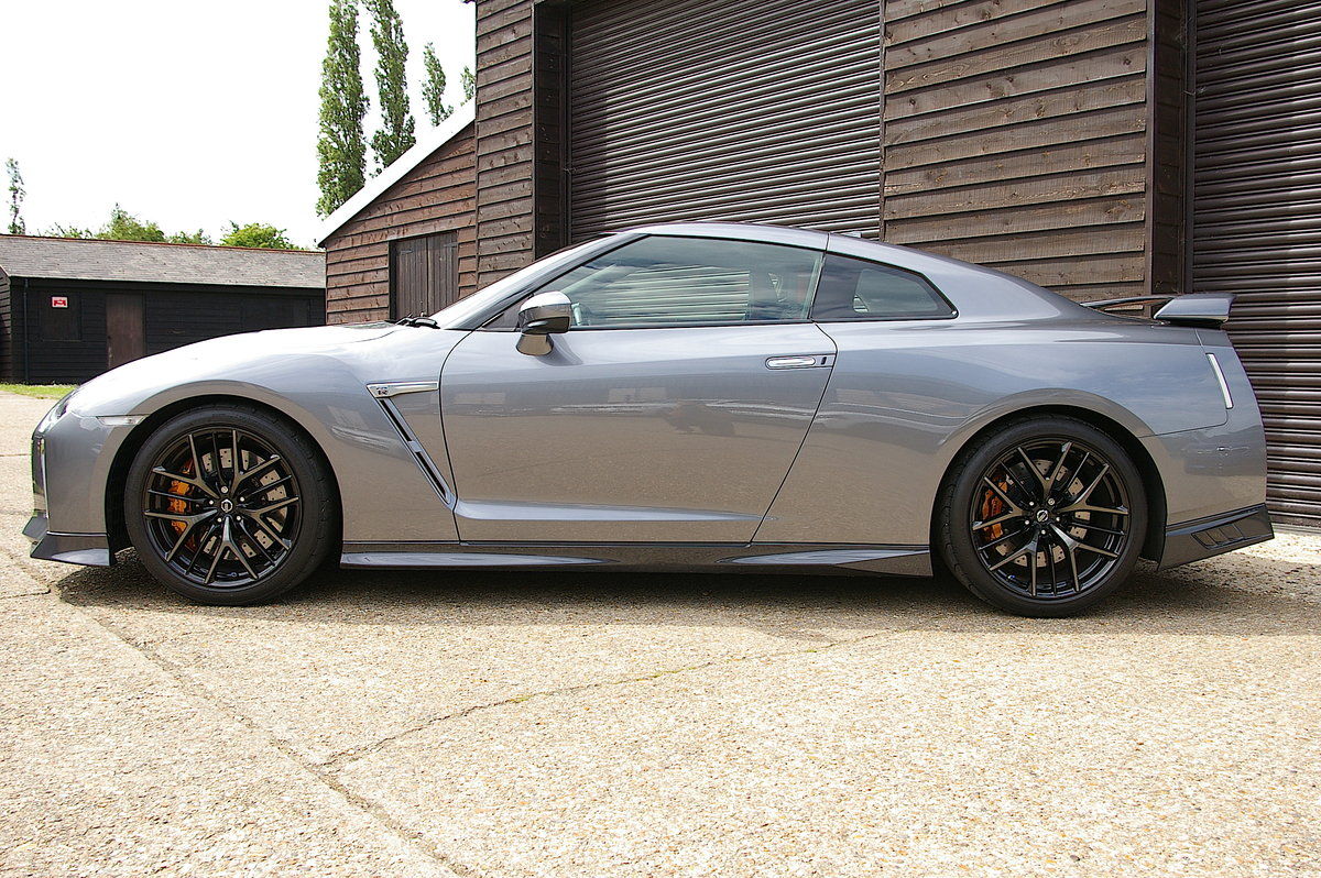 2018 Nissan R35 GTR 3.8 Recaro Edition Coupe Auto (3,854 miles) SOLD (picture 2 of 6)