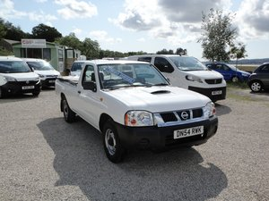 2005  Nissan D22 2.5 DI 3-seater Single Cab 2WD Pick Up.