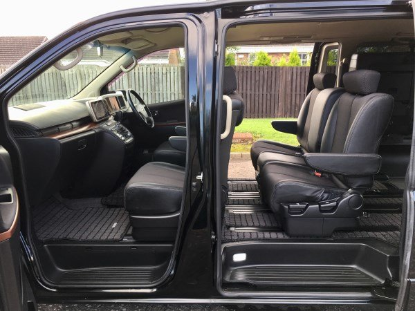 2006 FRESH IMPORT NISSAN ELGRAND HIGHWAY StAR AUTO 3.5 4WD For Sale (picture 2 of 6)