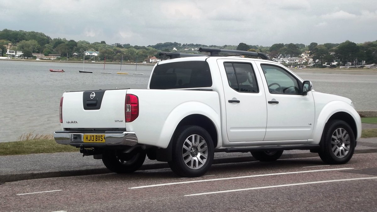 2013 NISSAN NAVARRA OUTLAW DCI V6 3.0 AUTO DOUBLE CAB 4WD PICK UP SOLD (picture 2 of 6)
