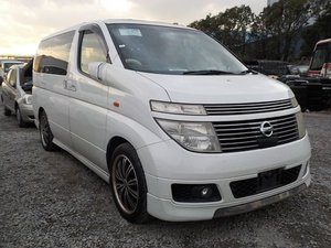 2004 NISSAN ELGRAND 3.5 XL 4X4 AUTOMATIC * TWIN SUNROOF * For Sale