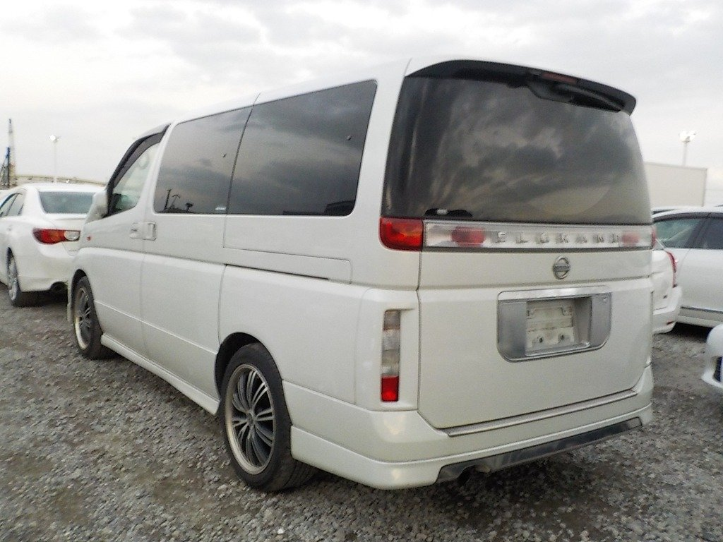 2004 NISSAN ELGRAND 3.5 XL 4X4 AUTOMATIC * TWIN SUNROOF * For Sale (picture 2 of 6)