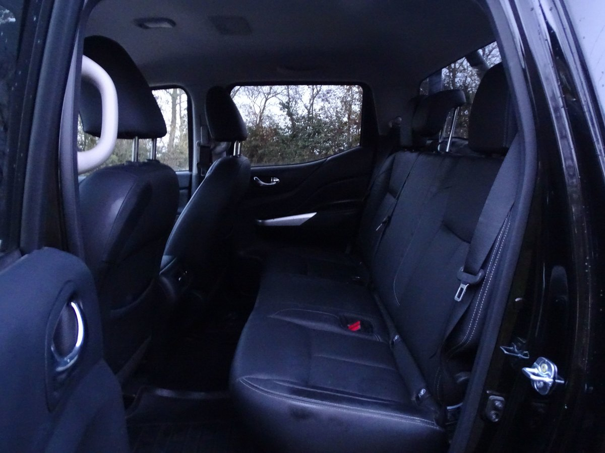 2017 Nissan  NAVARA  DCI TREK 1 EDITION 4X4 SHR DOUBLE CAB VAT Q  For Sale (picture 11 of 17)
