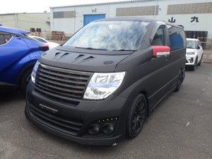 2010 NISSAN ELGRAND 3.5 HIGHWAY STAR * RARE CUSTOM BODYKIT *