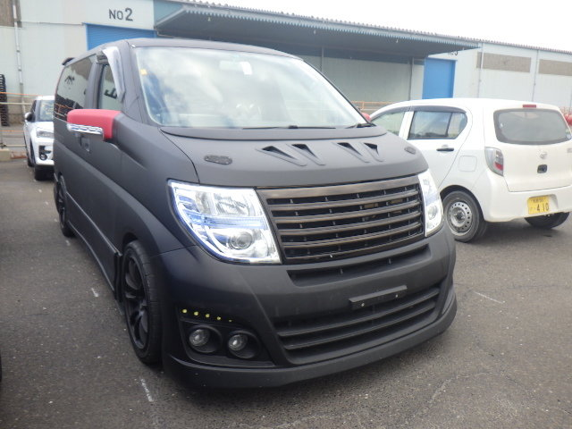 2010 NISSAN ELGRAND 3.5 HIGHWAY STAR * RARE CUSTOM BODYKIT * For Sale (picture 2 of 6)