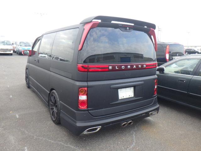 2010 NISSAN ELGRAND 3.5 HIGHWAY STAR * RARE CUSTOM BODYKIT * For Sale (picture 4 of 6)
