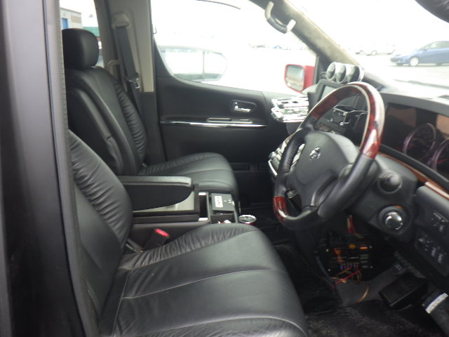 2010 NISSAN ELGRAND 3.5 HIGHWAY STAR * RARE CUSTOM BODYKIT * For Sale (picture 5 of 6)