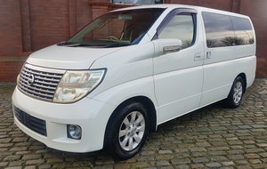 2004 NISSAN ELGRAND 3.5 X AUTO 8 SEATER LEATHER * BUSINESS SEATS  For Sale