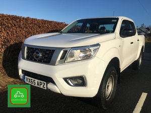2015 NAVARA 2.3 NP300 4x4 DOUBLE CAB NISSAN WARRANTY FULL MOT   For Sale