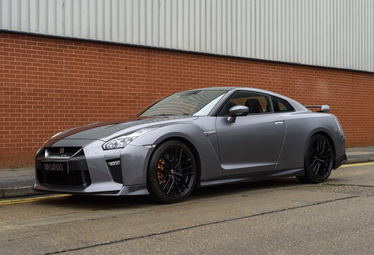 2017 Nissan R35 GT-R (LHD) For Sale (picture 1 of 24)