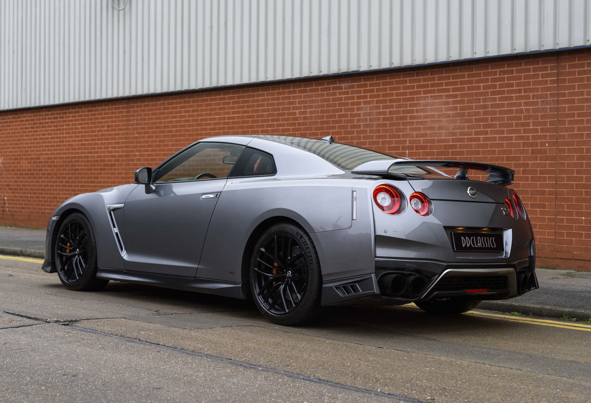 2017 Nissan R35 GT-R (LHD) For Sale (picture 4 of 24)
