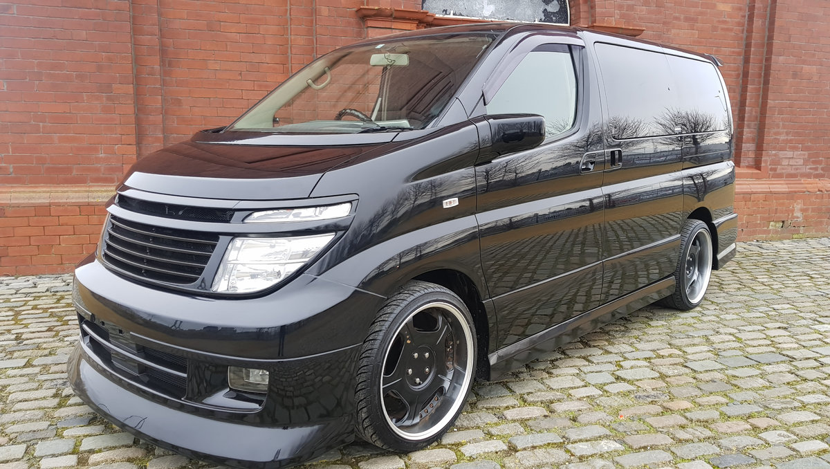 2003 NISSAN ELGRAND 3.5 AUTOMATIC * CUSTOM BODYKIT *  For Sale (picture 1 of 6)