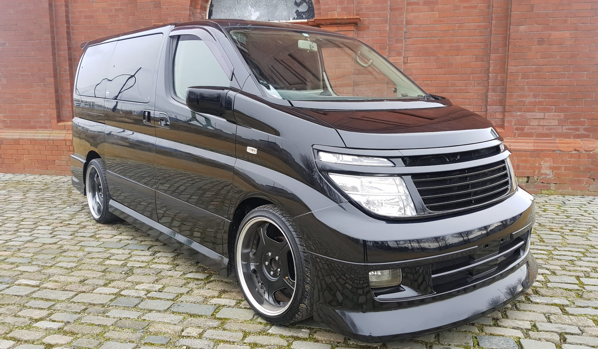 2003 NISSAN ELGRAND 3.5 AUTOMATIC * CUSTOM BODYKIT *  For Sale (picture 2 of 6)