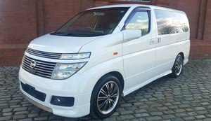 NISSAN ELGRAND 3.5 XL 4X4 AUTOMATIC * TWIN SUNROOF *