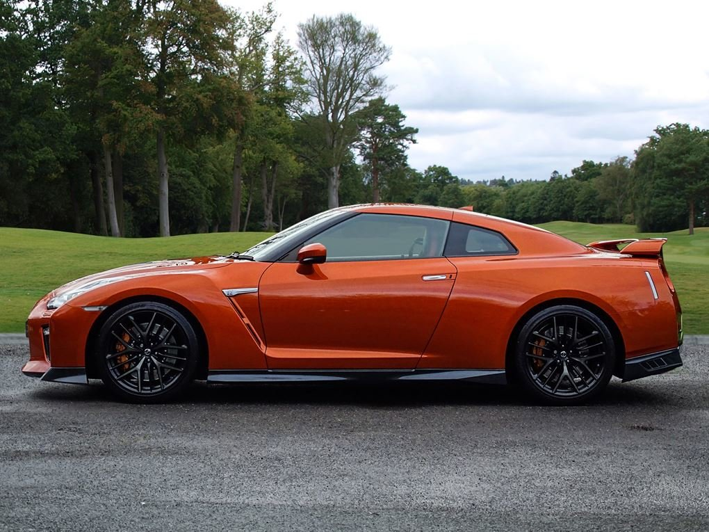 2016 Nissan  GT-R  RECARO EDITION 3.8 V6 570 BHP COUPE AUTO  58,9 For Sale (picture 2 of 24)